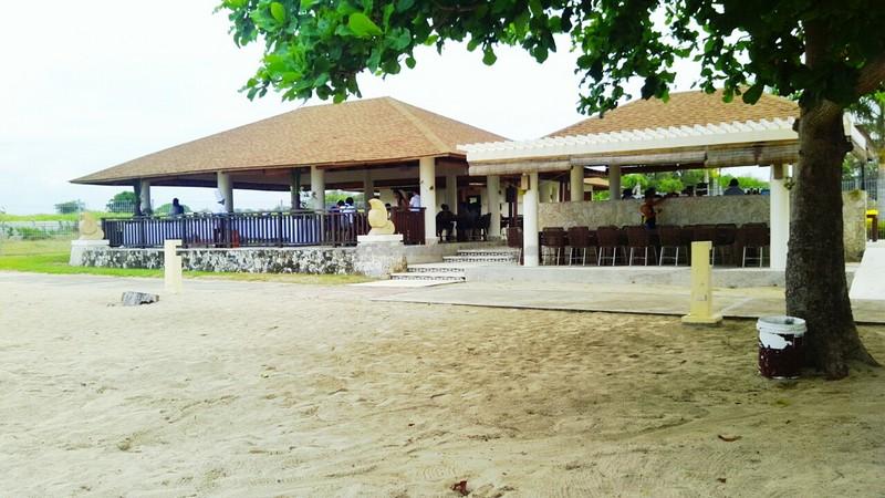 Aquaria Beach Resort11