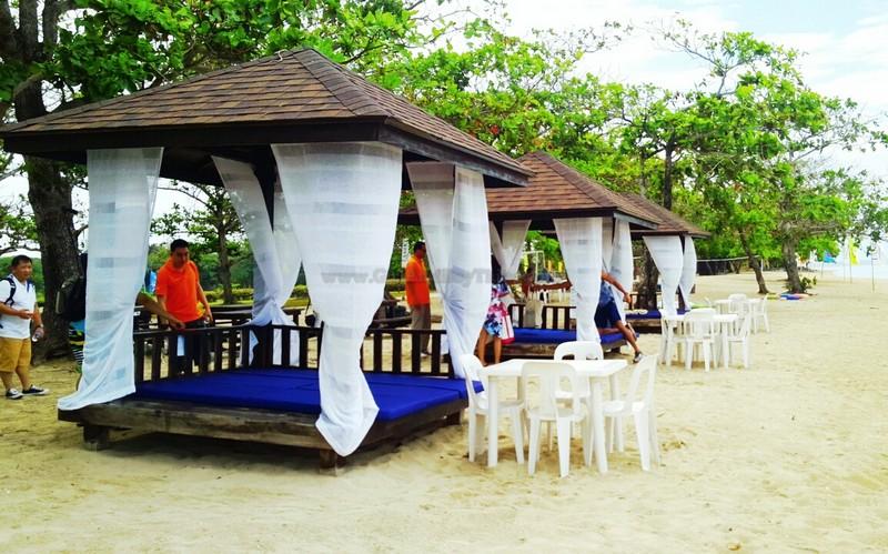 Aquaria Beach Resort13