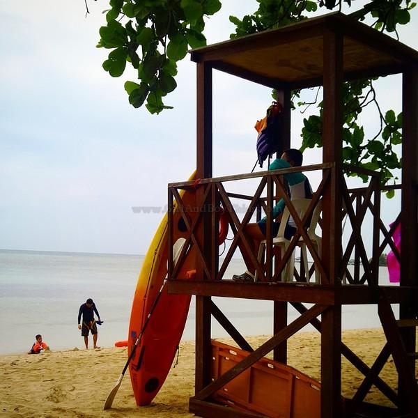 Aquaria Beach Resort16