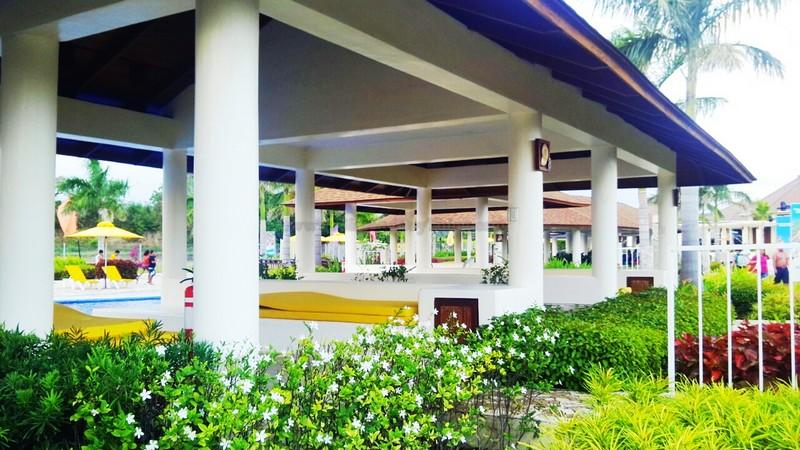 Aquaria Beach Resort25