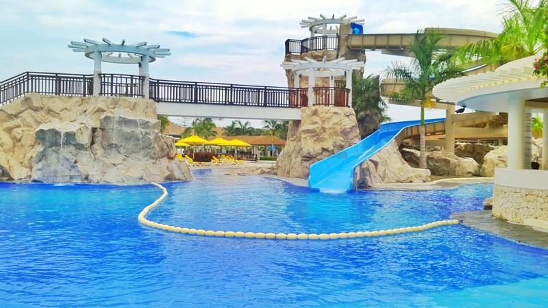 Aquaria Beach Resort9